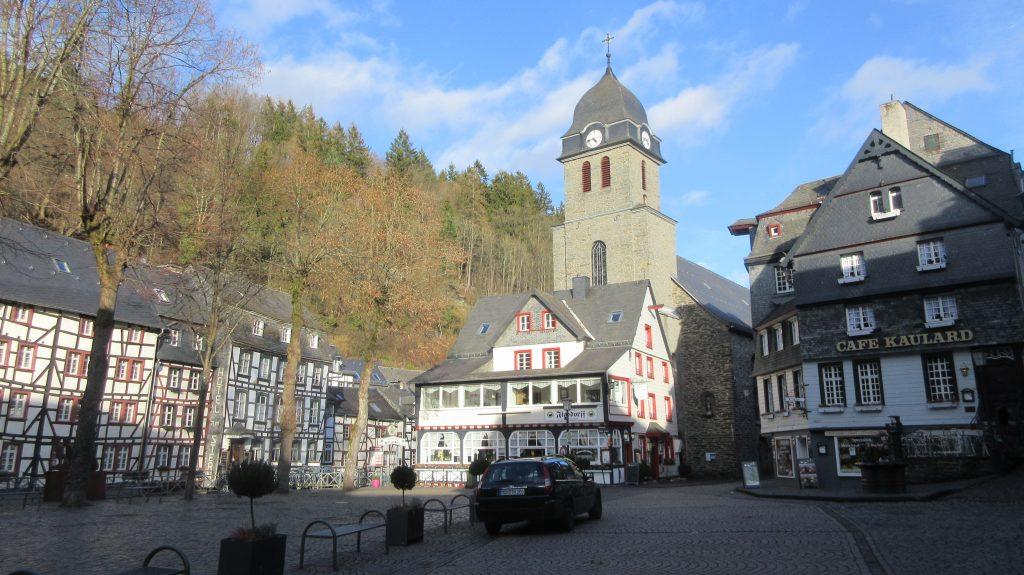 in Monschau - der Marktplatz