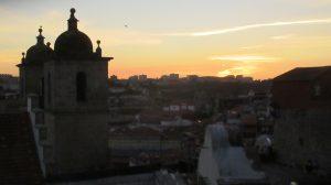 Blick vom Domplatz in Porto über die Stadt