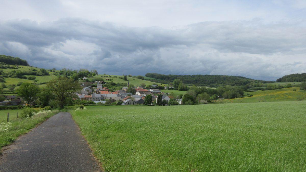 Tag 20 – zu Fuß durch die Ardennen: Orval – Lamorteau (27 km)