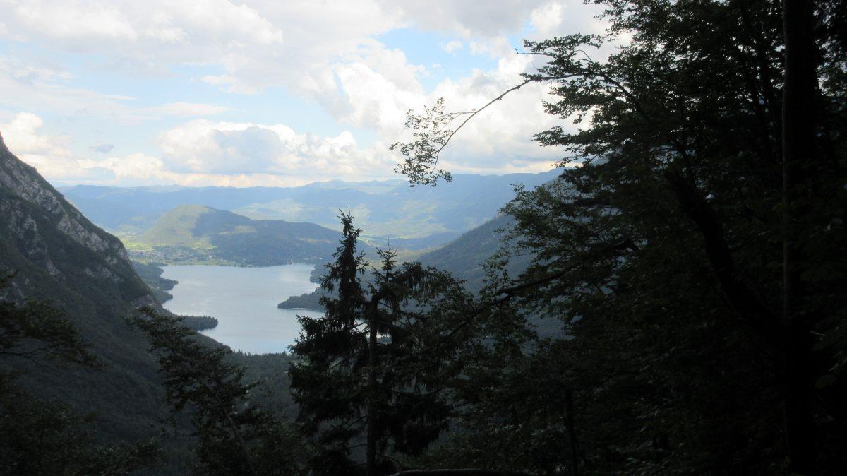 Tag 1  – Auf der Via alpina durch Slowenien, Italien und Österreich: von Ukanc zur Hütte 'Dom na Komni'