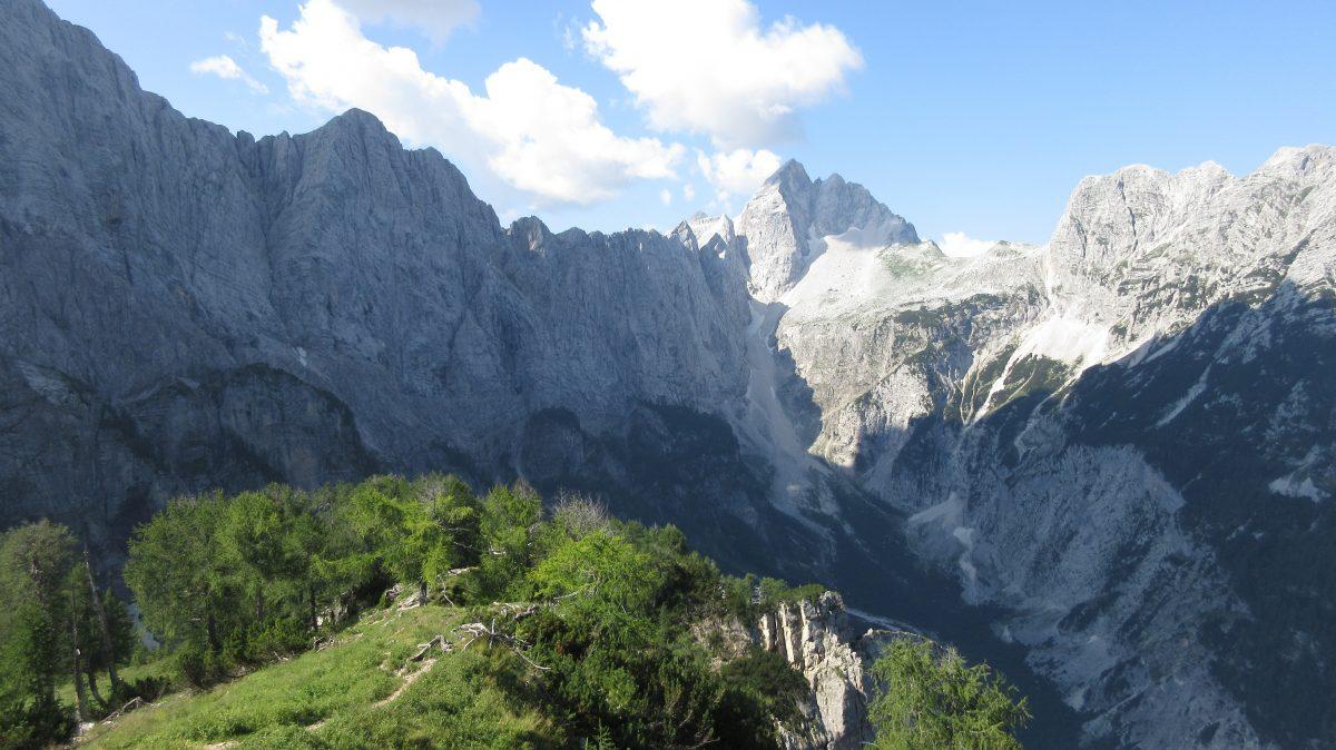 Tag 5  – Auf der Via alpina durch Slowenien, Italien und Österreich: von Poštarski dom na Vršiču zur Planinski dom Tamar